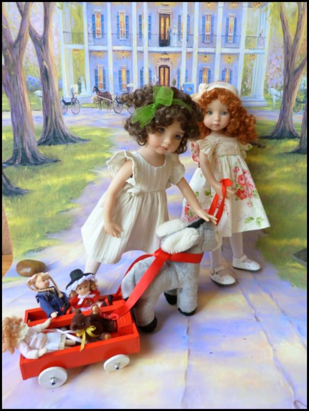 """Mes """"princesses  et leur maison de poupées  Robes blanches P3 P1700134"""