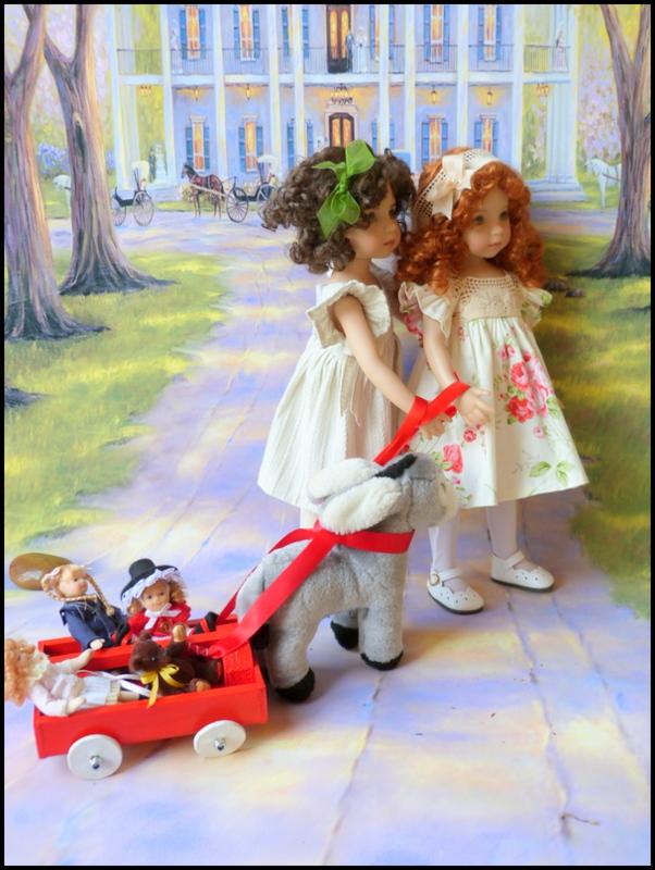 """Mes """"princesses  et leur maison de poupées  Robes blanches P3 P1700135"""