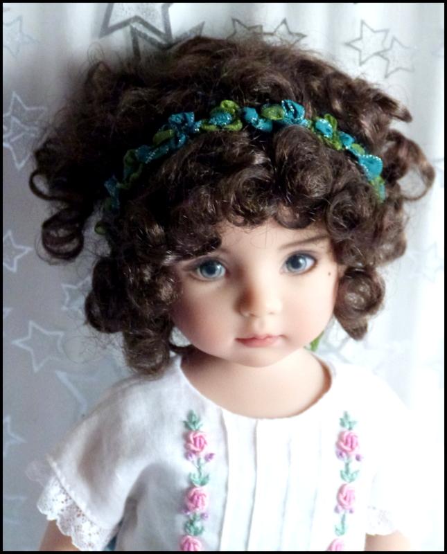 """Mes """"princesses  et leur maison de poupées  Robes blanches P3 - Page 3 P1730732"""