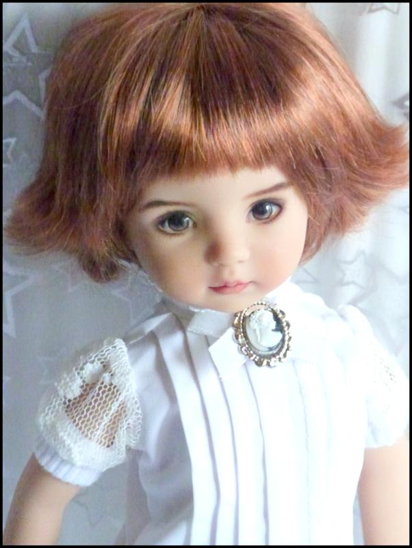 """Mes """"princesses  et leur maison de poupées  Robes blanches P3 - Page 3 P1730734"""