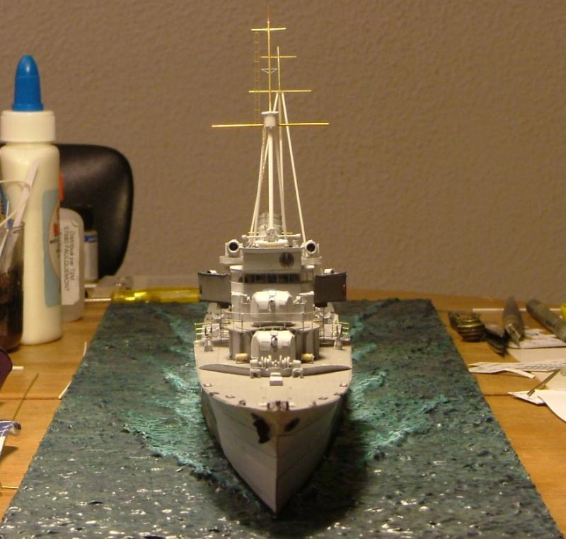 Contre-torpilleur Jaguar - 1/200 - Page 2 Dscf4213