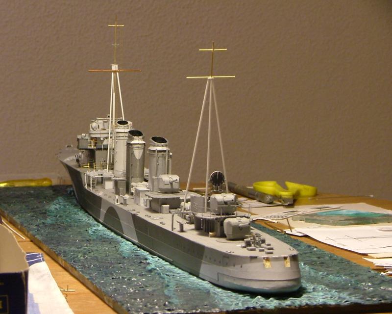 Contre-torpilleur Jaguar - 1/200 - Page 2 Dscf4215