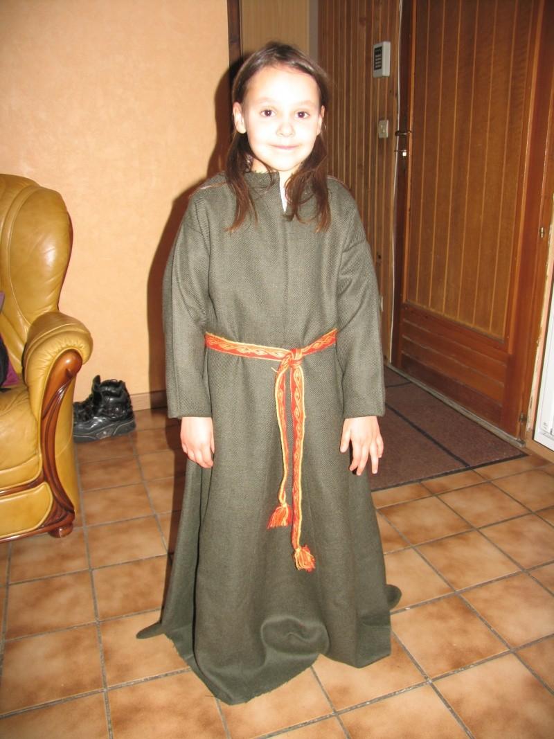 Costume enfant inspiration début XIIIème Img_5220