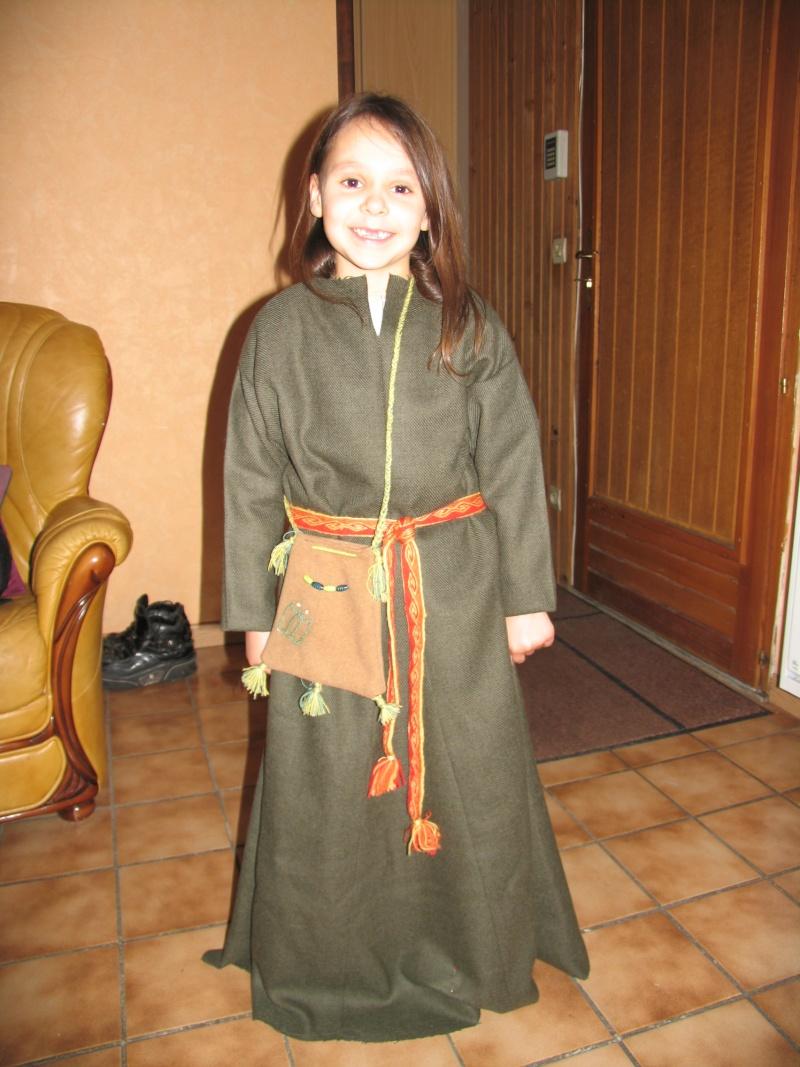 Costume enfant inspiration début XIIIème Img_5221
