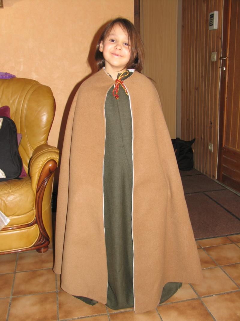 Costume enfant inspiration début XIIIème Img_5222