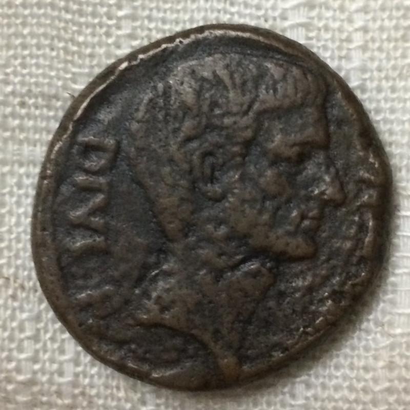 Ce grand bronze de Jules Cesar/Octave est il authentique ? 302-im10