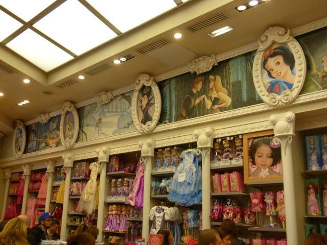 Les boutiques Disney Store FR en général - Page 17 P1150110