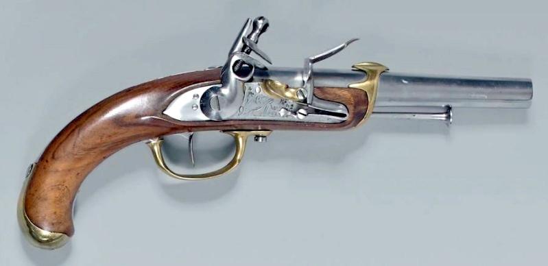 Recherche un pistolet de Marine 1779 comme cette photo 1779_d10