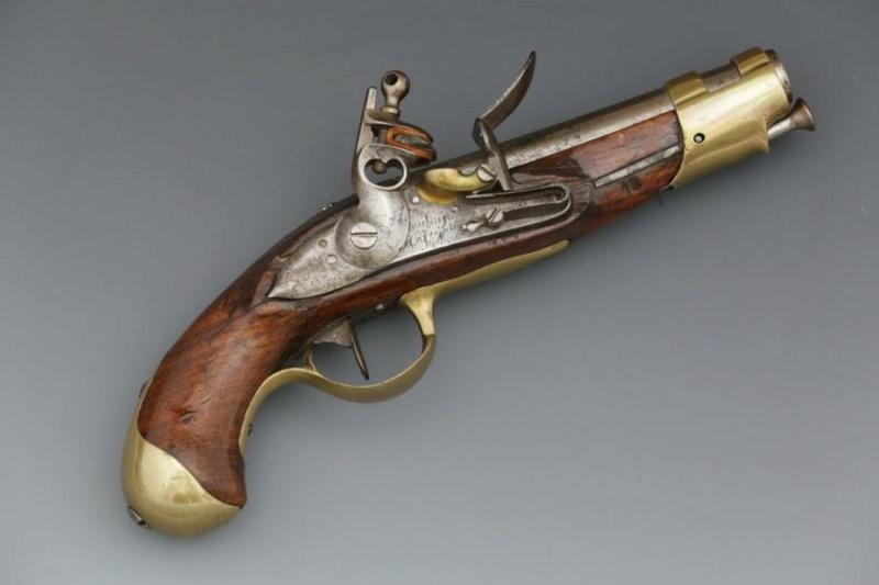 J'ai enfin trouvé mon 1816 d'officier que voici ! Pistol13