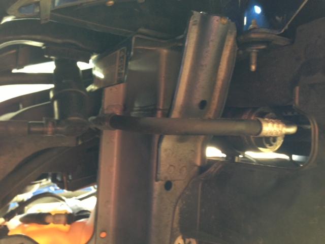 Fuite d'huile sur circuit de clim Photo110
