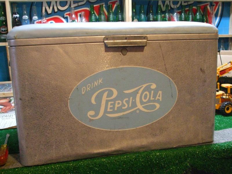 Glacière Pepsi et pancartes Pepsi Dscf2224