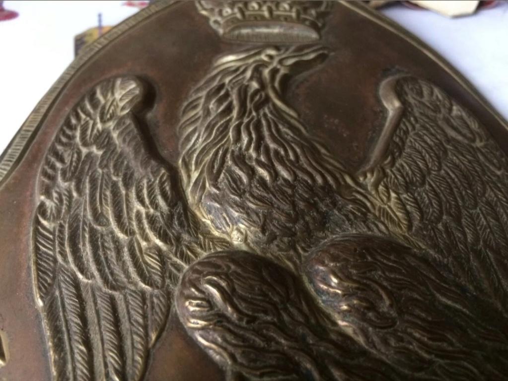 Plaque d'ourson de grenadier de la Garde Imperiale Premier Empire  ( avis ) 20190620