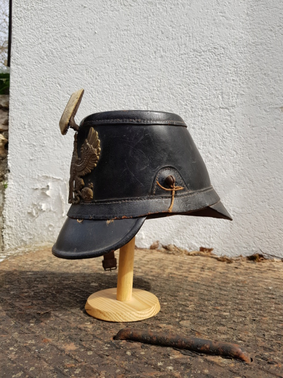 Relique de 1870 : Shako du XIe Bataillon du Train modèle 1860 daté 1870. 20200317
