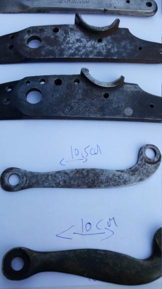 Platines à silex et autres pièces détachées de fusil pour identification 20200734