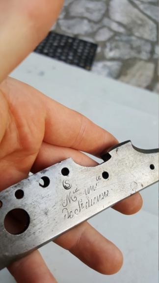 Platines à silex et autres pièces détachées de fusil pour identification 20200746