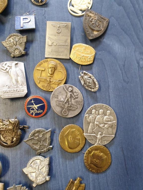 Gros lots d'insignes allemands ww2 médailles, et beaucoup d'insignes de journée 20210449