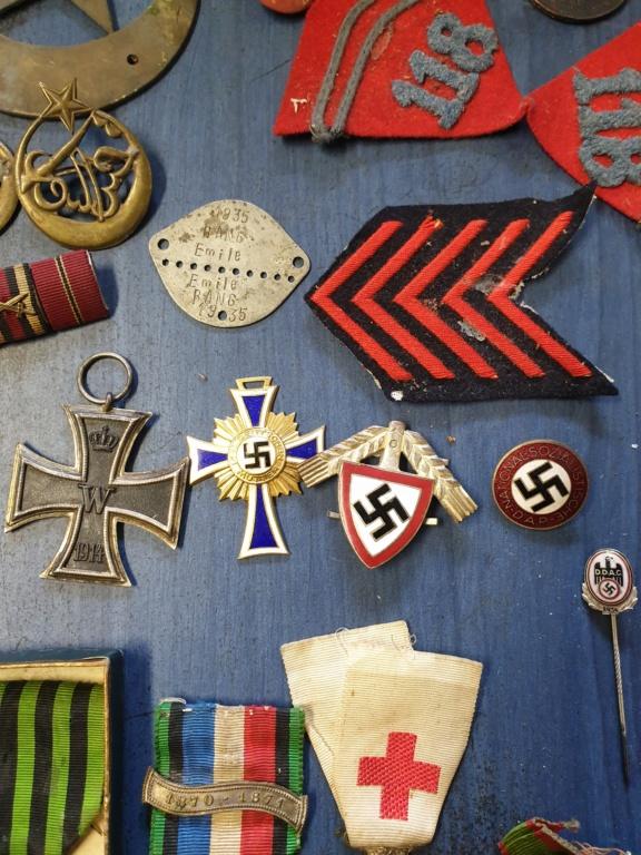 Gros lots d'insignes allemands ww2 médailles, et beaucoup d'insignes de journée 20210462