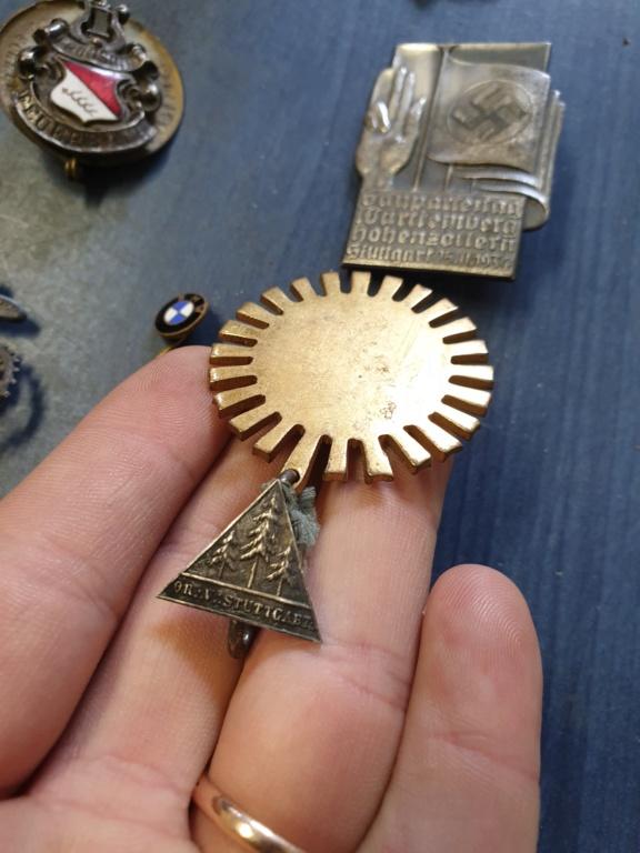 Gros lots d'insignes allemands ww2 médailles, et beaucoup d'insignes de journée 20210463