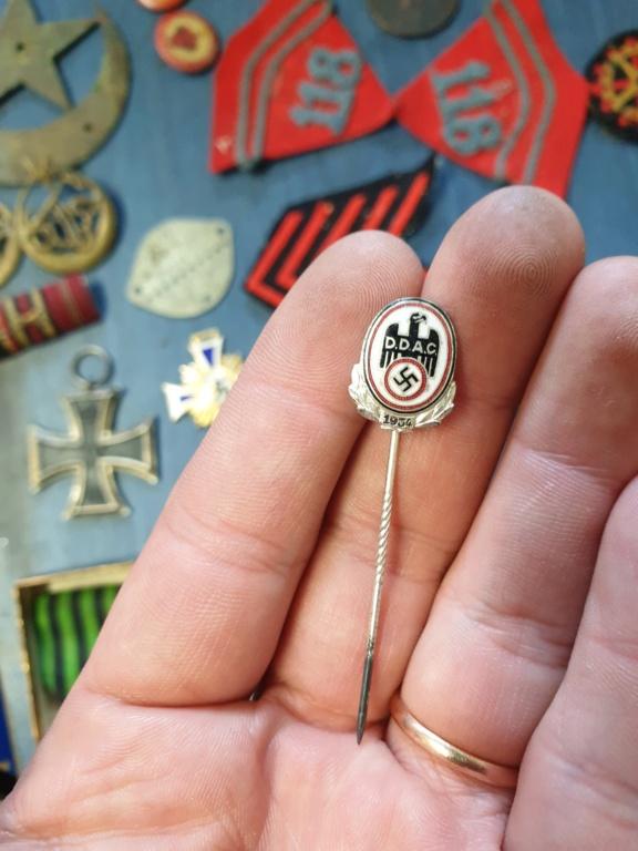 Gros lots d'insignes allemands ww2 médailles, et beaucoup d'insignes de journée 20210464
