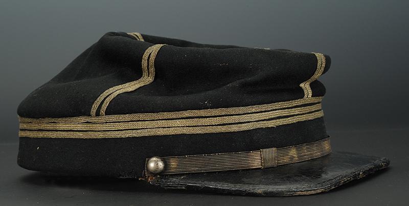 L'allégorie par excellence du terrible prussien : Casque à pointe modèle 1860.  Kzopi_11
