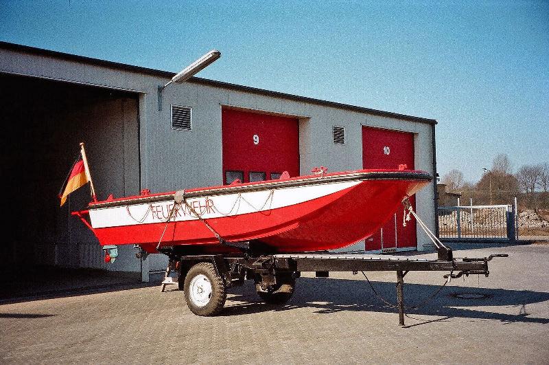 Rettungs- und Sicherungsboot 88120110