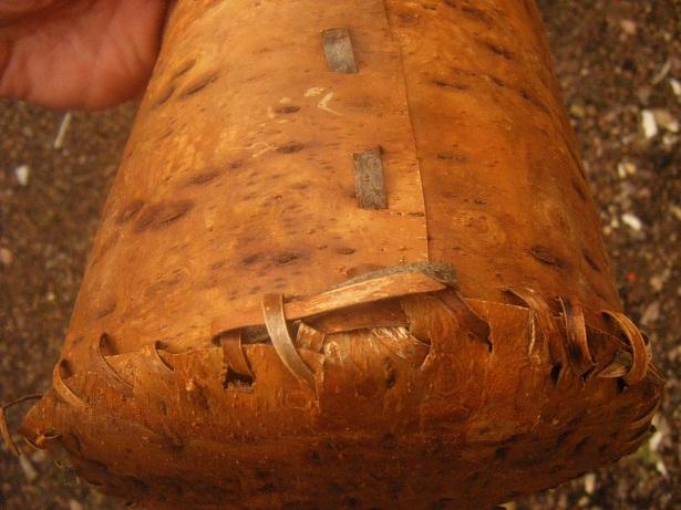 [DIY - Technique bushcraft] fabriquer un contenant en écorce d'arbre Dscf1813