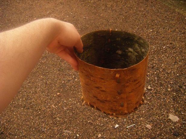 [DIY - Technique bushcraft] fabriquer un contenant en écorce d'arbre Dscf1814