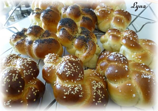 Petits pains briochés et tressés (batteur sur socle) Petits18