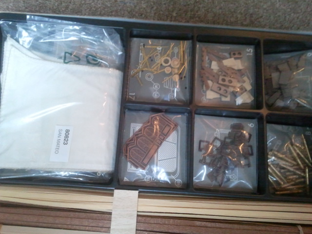 A VENDRE - Kit CONSTRUCTO TOUT NEUF 2012-119