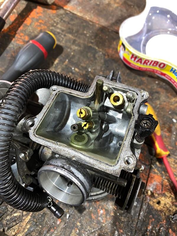 VT500E : Problème de démarrage a froid  214