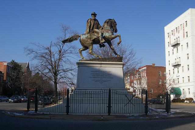 Le général JEB Stuart Statue11