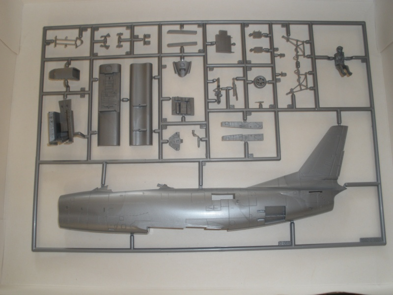 Revue de kit NORTH AMERICAN F-86K MustHave! 1/48 P1070115