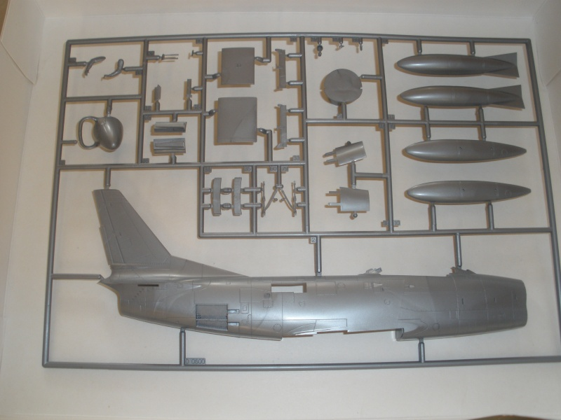 Revue de kit NORTH AMERICAN F-86K MustHave! 1/48 P1070116