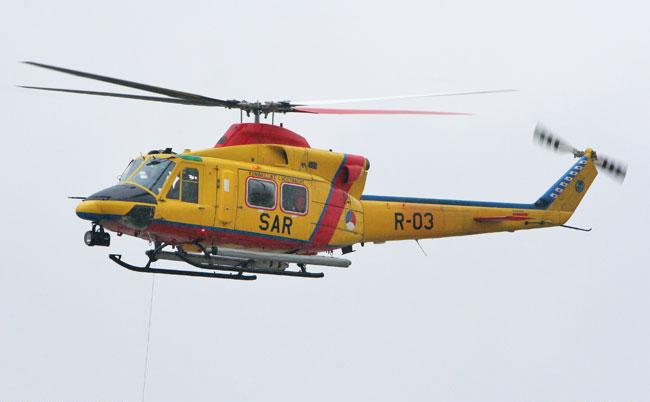 SAR Helikopter Bell 412 der Koninklijke Luchtmacht Niederlande mit Sonderbauten Baha-b10