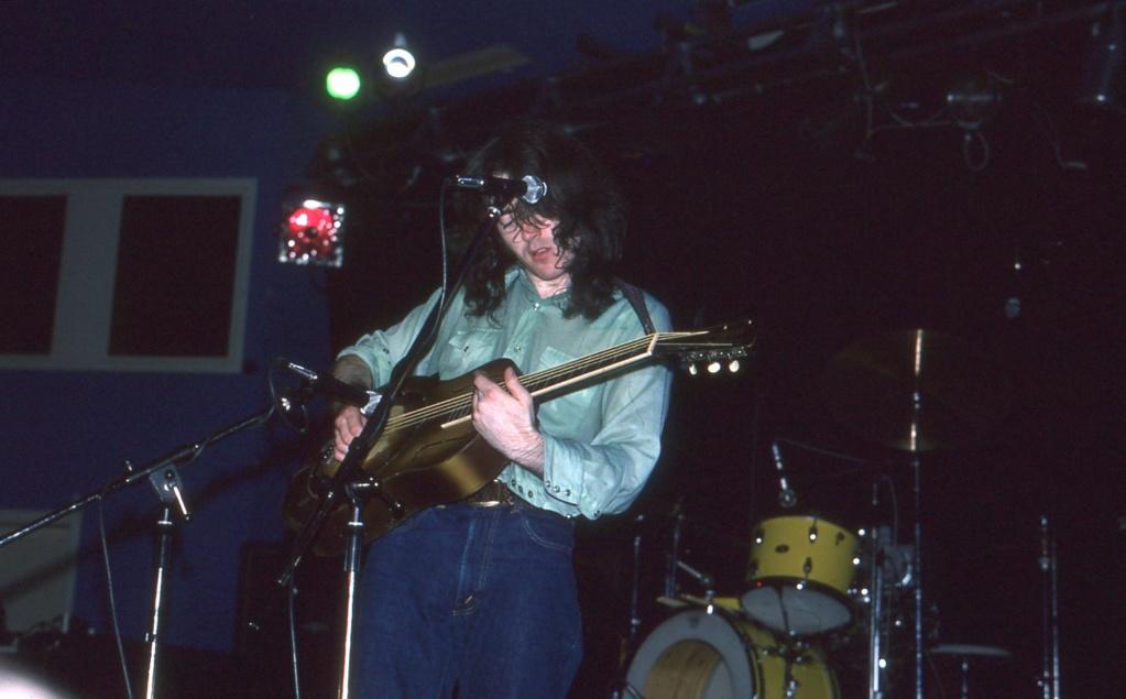 Guitares acoustiques - Page 11 Acoust11