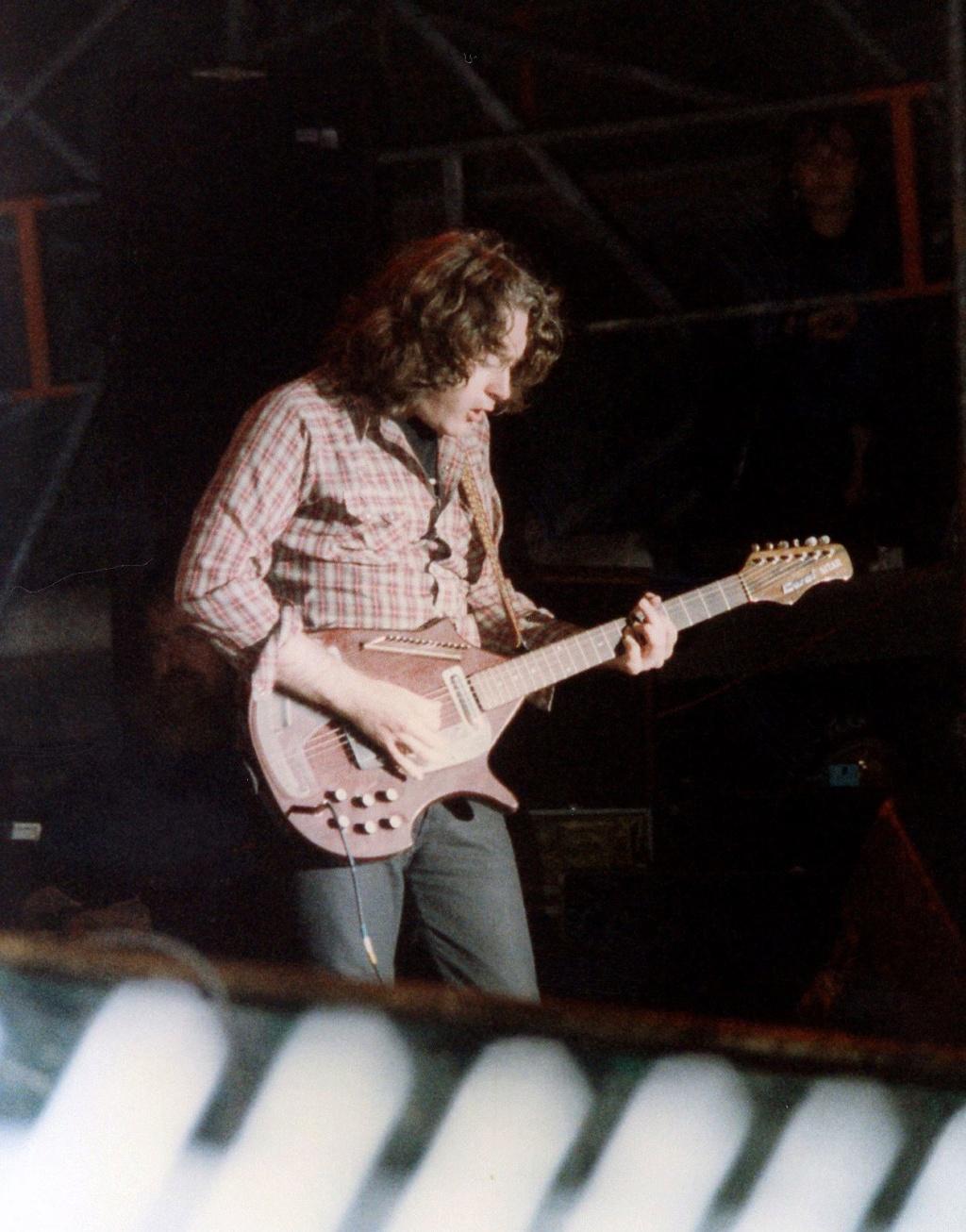 Guitares électriques - Page 12 Rory23