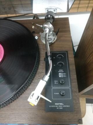 Rotel RP1500 vintage turntable Img_2032