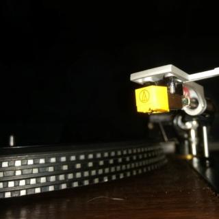 Rotel RP1500 vintage turntable Img_2033