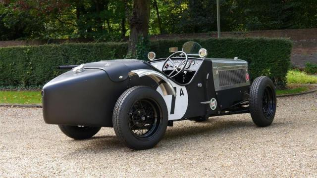 Les Austin seven de course Blk1012