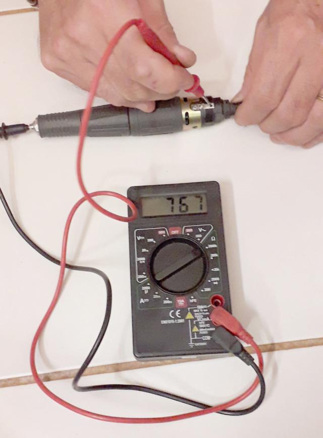 Micromoteur Marathon N7 qui électrocute Pam210