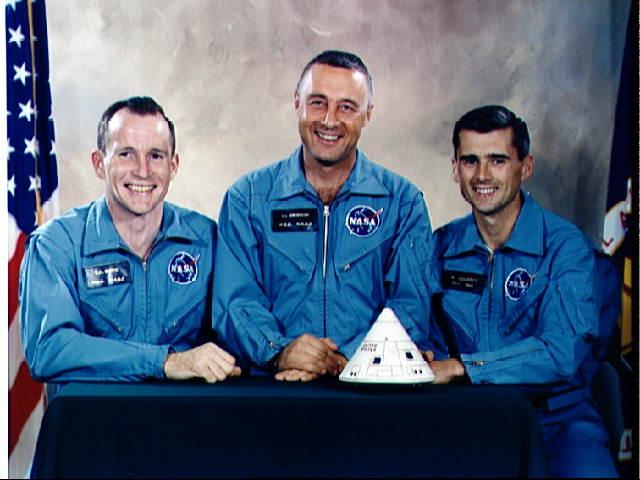 không - Lịch sử 30 năm chương trình phi thuyền con thoi của NASA Apollo11