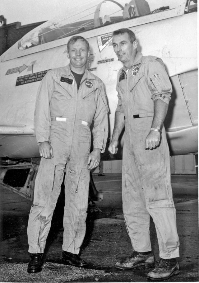 Programme Apollo (autre que les missions) - Le Programme - Rares Documents, Photos, et autres ... Armstr13