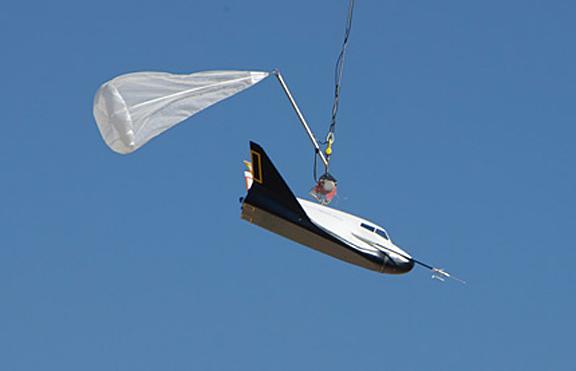 Dream Chaser prêt à faire son premier test de lâcher et vol libre Ooed1010
