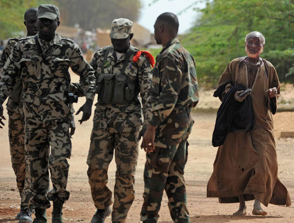 Crise Malienne - risque de partition - Page 4 F24-di11