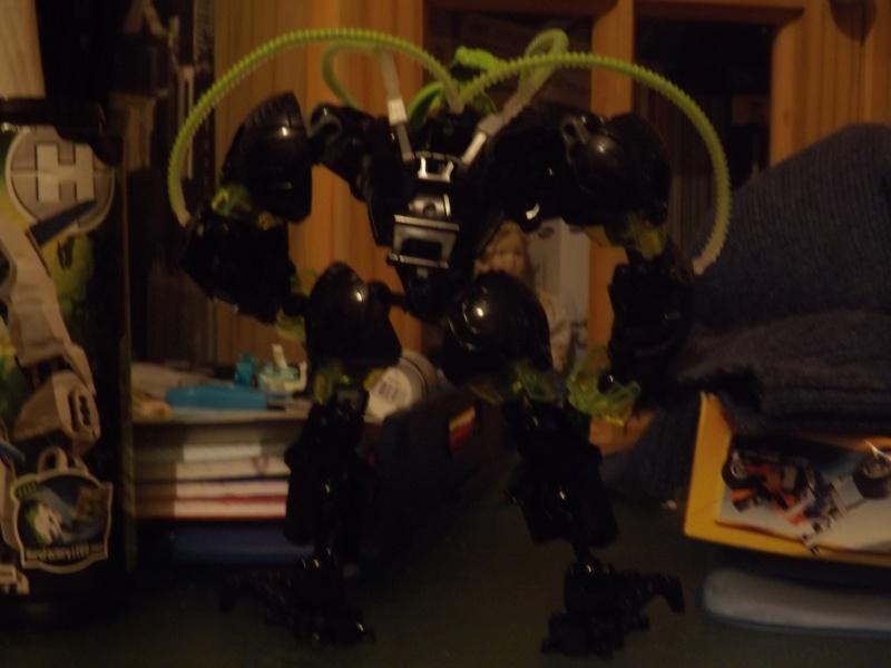 [MOC] Les mocs de Skrall789 (Nouveau Moc : MOCS BFGM : Akhatos - God of the Skull Spiders)  - Page 2 Dscf0212