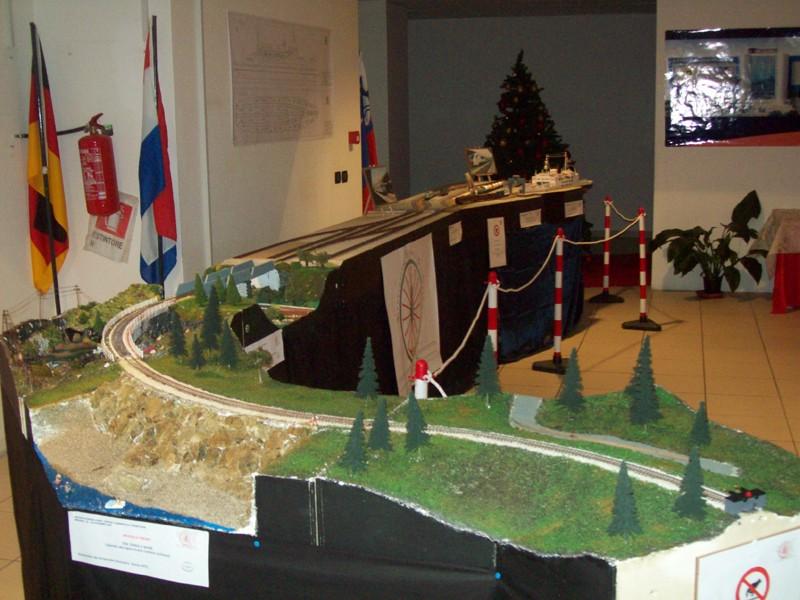 18 -> 28 dicembre 2009 l'AFS in mostra al Centro Commerciale Tremestieri - Pagina 3 Cctrem10