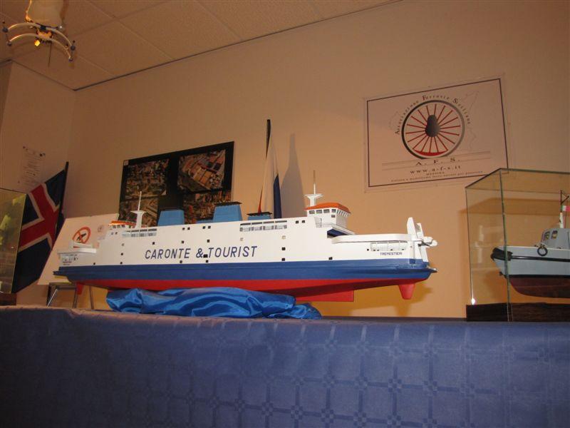 18 -> 28 dicembre 2009 l'AFS in mostra al Centro Commerciale Tremestieri - Pagina 3 Img_4011