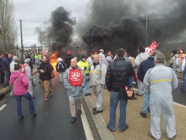 Flash actualités du 29/01: L'accès à l'usine de Flins bloquée quelques heures! Renaul11