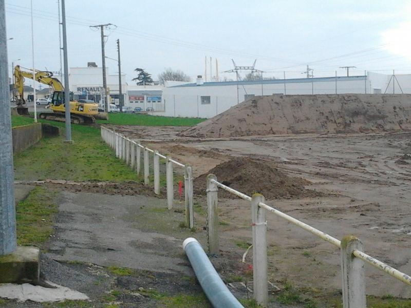 avancement des travaux du terrain exterieur 2013-016