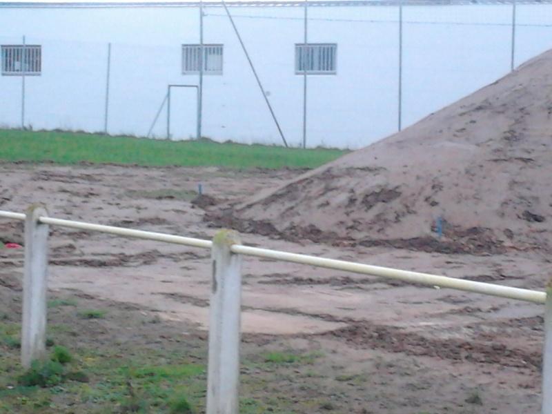 avancement des travaux du terrain exterieur 2013-018